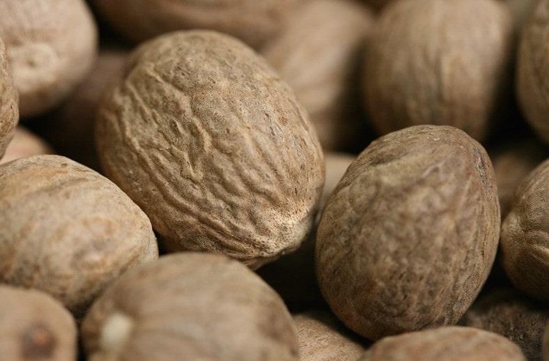 Muscade, nutmeg